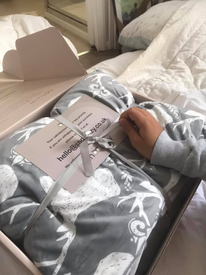 snoozzzy blanket unboxing